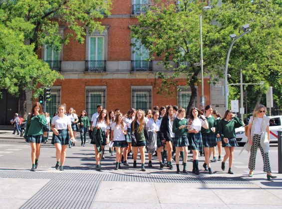 schoolgirls crossing the street